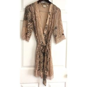 Anthropologie Eloise Lace Wrap Robe Kimono Top S
